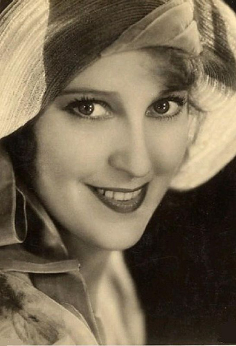 Jeanette MacDonald 1930 photo